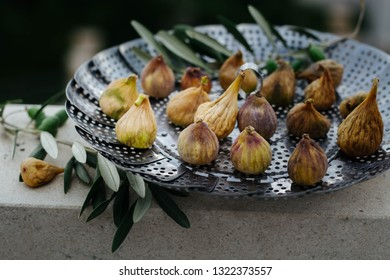 fresh figs drying on the sun