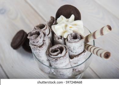 Fresh fried ice cream, ice roll
