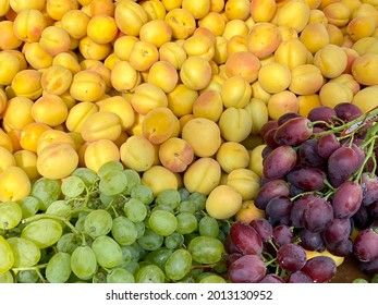 Fresh fruit from all around the world at the market