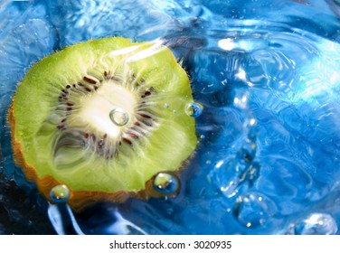 Fresh fruit, kiwi