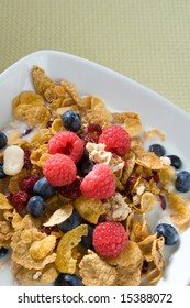 Fresh fruits and cereal