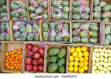 fresh fruits on market