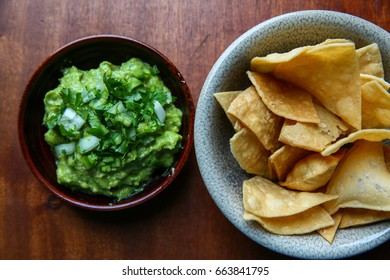 Fresh Green Guacamole with Crispy Crunchy Corn Tortilla Chips