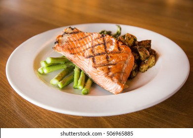 Fresh Grilled Salmon Fillet with Green Asparagus