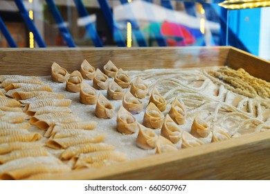 fresh made pasta named after by the size, tortelli, tortellini, tortelloni, respectively. Lined in three rows besides of garganelli, casarecce, and fileja, with addition of duck eggs and organic flour