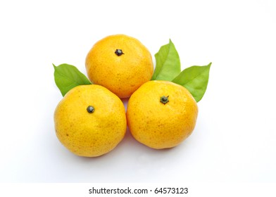 fresh mandarin isolated on white background with clipping path