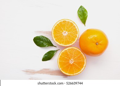 Fresh mandarin orange.Preparation ingredient for making orange juice. Easy and tasty refreshing drink that quenches thirst well on a hot day.Fruit with high vitamin c,antioxidants and fiber.