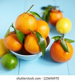 Fresh mandarins in a bowl