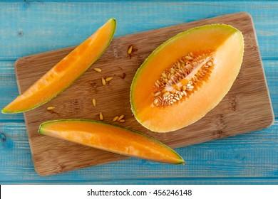 how to keep cut melon fresh