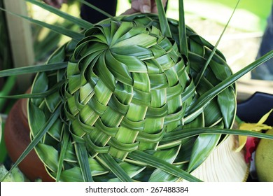 Fresh Pandan leaf weave to hat bouquet