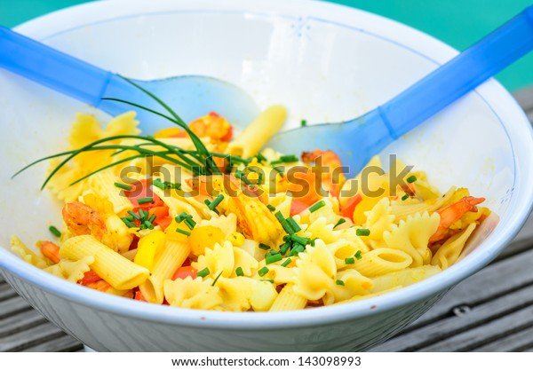 Fresh pasta salad with shrimps