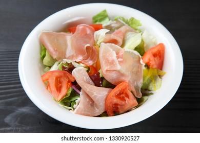 fresh prosciutto salad