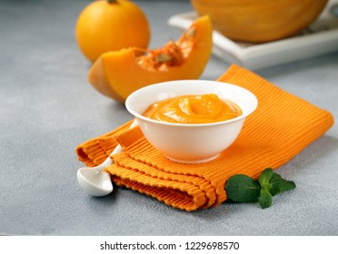 fresh pumpkin puree from organic vegetable