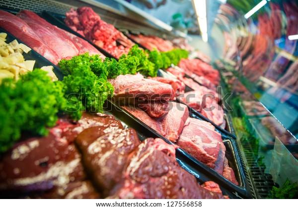 Frisches rotes Fleisch am Schlachthof