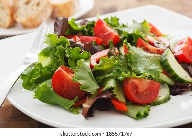 Fresh Salad with Balsamic & Vinegar Dressing