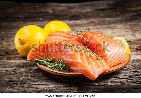 Fresh salmon with lemon