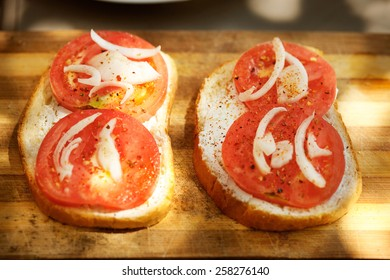 Fresh sandwich with tomato and onion
