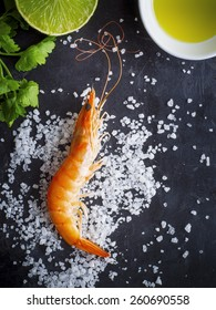 Fresh shrimp with parsley and olive oil