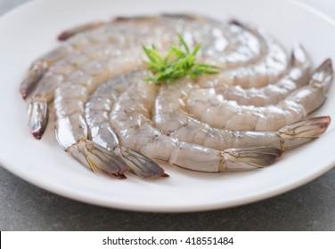 fresh shrimp/prawn on white plate