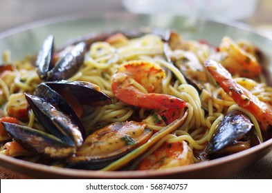 Fresh Spaghetti pasta with seafood