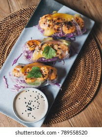 Fresh spring rolls with shrimps in rice paper