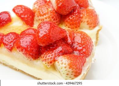 Fresh strawberry tart; Strawberry cake