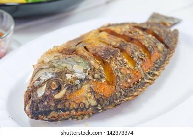 Fresh Thai food with fish.