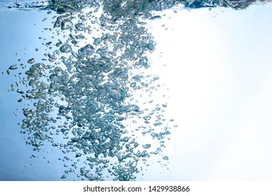fresh water splash with air bubbles