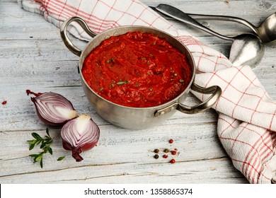 Freshly cooked Mediterranean Tomato Sauce