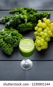 freshly squeezed kale and grape juice
