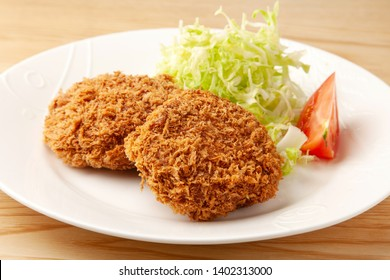 fried cake of minced meat.