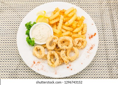 fried calamari, fried squid with tartare sauce