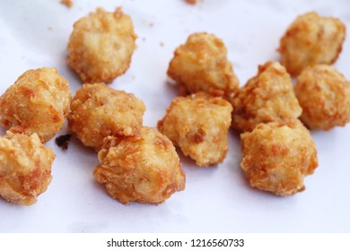 Fried chicken is delicious in street food