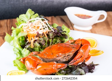Fried crab and sald vegetable in restaurant