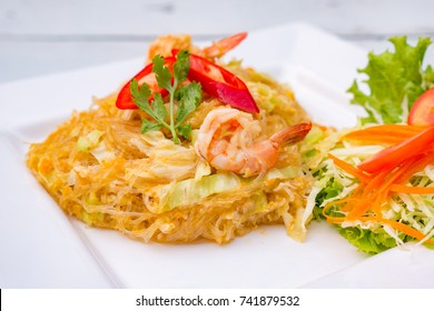 Fried eggs and vermicelli