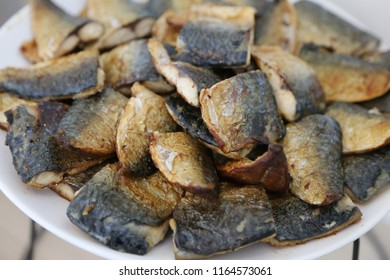 fried fish in the dish