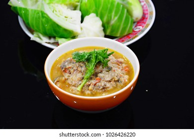 Fried mackarel with shrimp-paste sauce with boil vegetable, Thai food