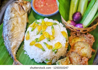 Fried Mackerel with Shrimp Paste Sauce & Vegetable Set,Fried mackerel with shrimp paste sauce and vegetable set. Thai food,Shrimp paste with fried mackerel and vegetable,Thai Fried mackerel.