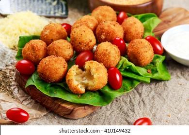 Fried mozzarella cheese stick balls
