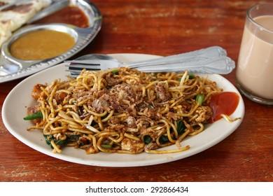 Fried noodle. Malaysian cuisine, Mee Goreng Mamak