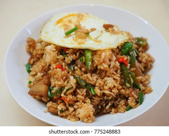 The fried rice and eggs with the Chinese cooking way