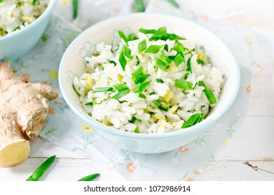 Fried rice with green onions and ginger