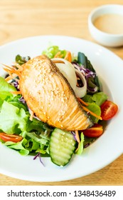 fried salmon salad - healthy food style