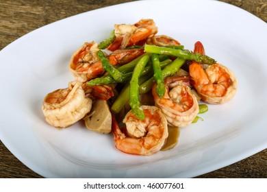 Fried Shrimp and asparagus with mushrooms
