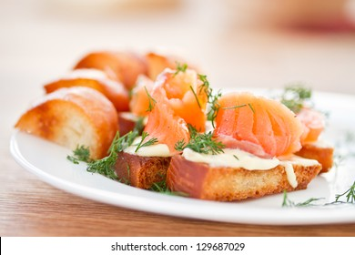 Fried toast with cheese and salted salmon