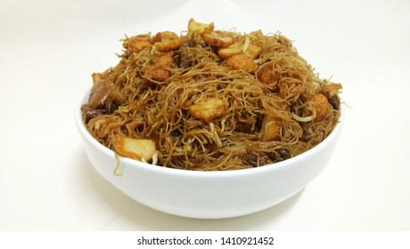 Fried vermicelli or in Malaysian called Bihun Goreng is a delicious meal with a mixture of spices.