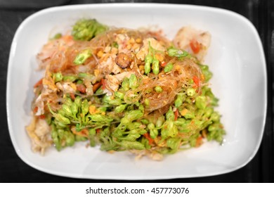 fried vermicelli noodle with shrimp and cowslip creeper flower