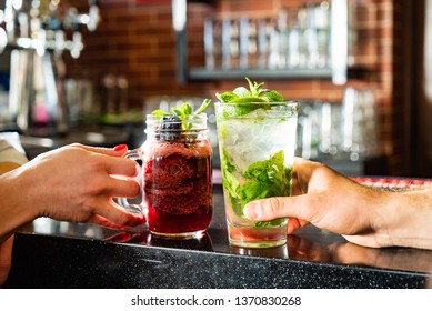 friends drinking mocktail in the bar