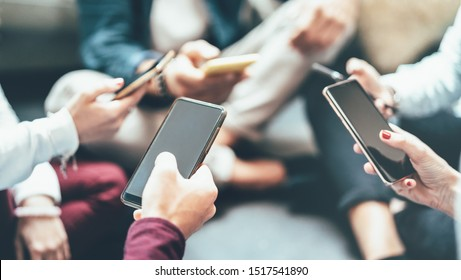 Friends group having addicted fun using mobile smart phone - Close up of people hands sharing content on social media network with smartphone - Technology concept with millenials online with cellphone