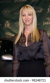 Friends star LISA KUDROW at the Jaguar Tribute to Style on Rodeo Drive gala in Beverly Hills. 23SEP2002.   Paul Smith / Featureflash